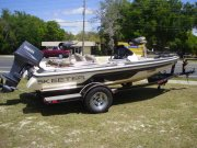 Pre-Owned 2009  powered Skeeter Boat for sale