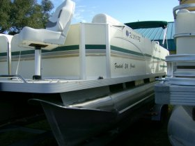 2011 Fiesta Fiesta 24' Pontoon for sale at APOPKA MARINE in INVERNESS, FL