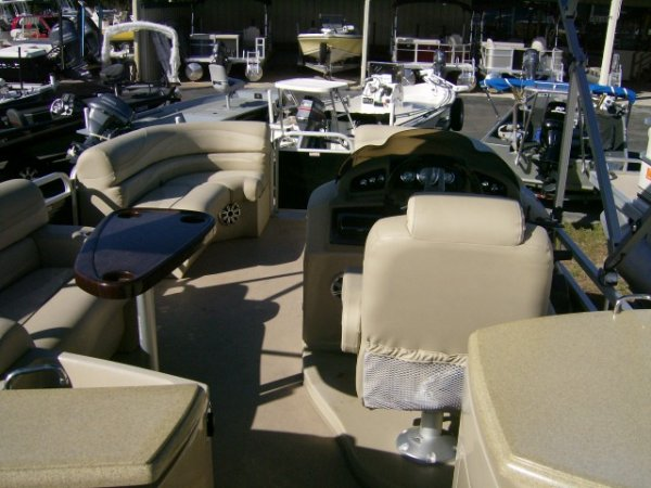 The definition of an outboard motor is a detachable engine mounted on outboard brackets on the stern of your boat.  This configuration will have only one single engine.