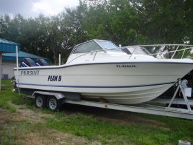 1990 Pursuit 2350WA for sale at APOPKA MARINE in INVERNESS, FL