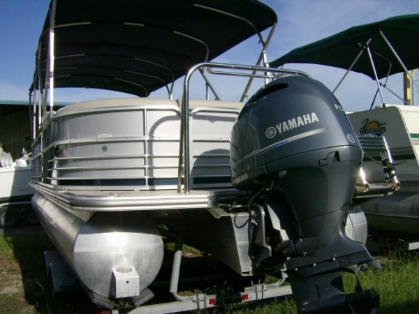 Luxury and Performance are phrases that are not normally used when describing a Pontoon Boat, but South Bay is the exception.  Style, Comfort, Performance says it all if you're talking about South Bay Pontoon Boats.  Quality throughout! You have got to ch