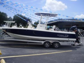 2019 Robalo 246 for sale at APOPKA MARINE in INVERNESS, FL