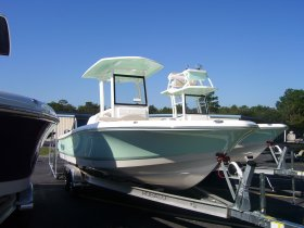 2019 Robalo 246 Cayman for sale at APOPKA MARINE in INVERNESS, FL