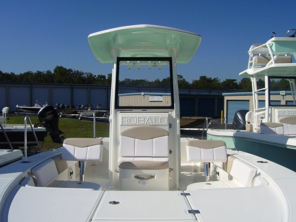 New 2019 Robalo Power Boat for sale 2019 Robalo 246 Cayman for sale in INVERNESS, FL