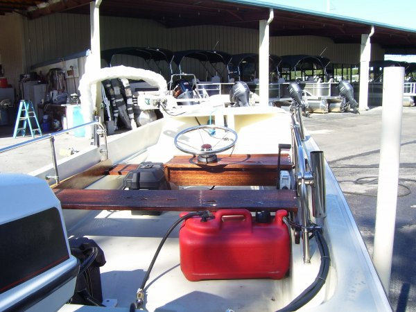 Bay Boat 1981 Boston Whaler 15 SPORT for sale in INVERNESS, FL