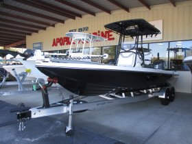 2019 Skeeter SX240 for sale at APOPKA MARINE in INVERNESS, FL