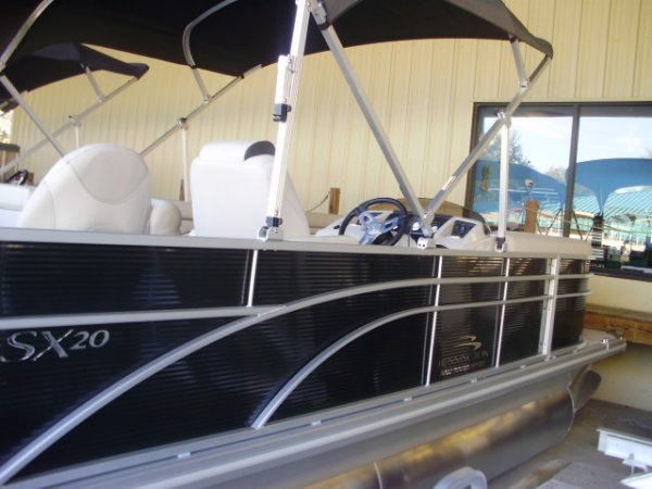 New 2019  powered Power Boat for sale 2019 Bennington 21SSX TRI-TOON for sale in INVERNESS, FL