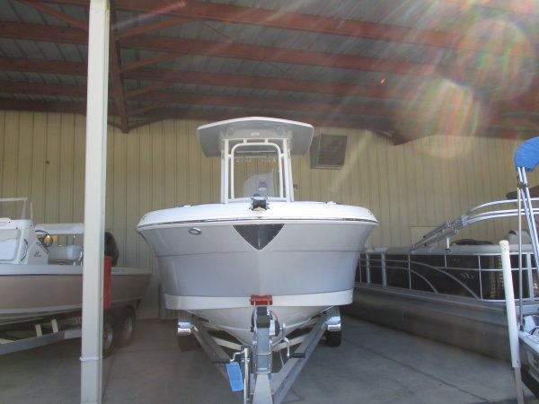 New 2019 Robalo 242 Explorer Power Boat for sale 2019 Robalo 242 Explorer for sale in INVERNESS, FL