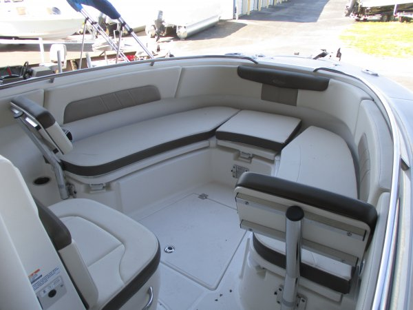 New 2019  powered Robalo Boat for sale 2019 Robalo 242 Explorer for sale in INVERNESS, FL