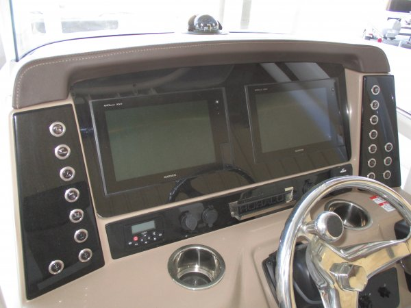 Dual Garmin GPS 2019 Robalo 242 Explorer for sale in INVERNESS, FL
