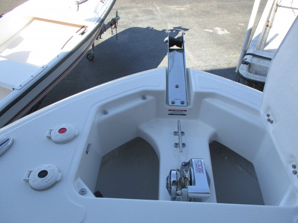 Windlass Anchor 2019 Robalo 242 Explorer for sale in INVERNESS, FL