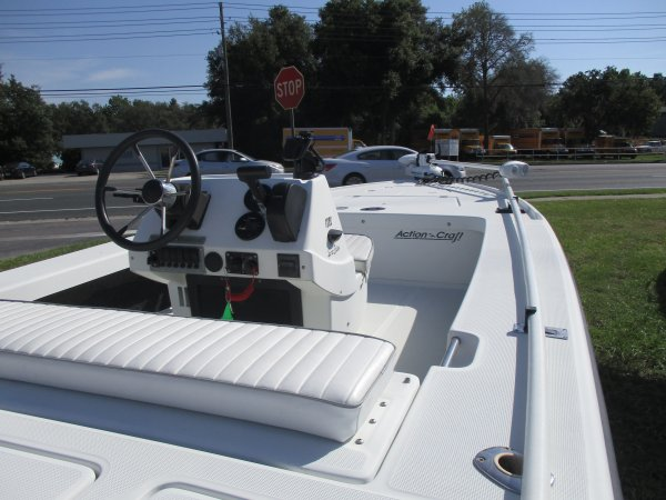 Center Console With Digital Guages 1998 Action Craft 1820 Flats Master for sale in INVERNESS, FL