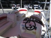 Well Designed Helm over looking the bow 2008 Southwind 2010L for sale in INVERNESS, FL