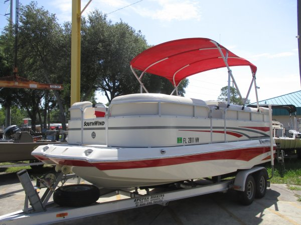 Southwind deck boat with plenty of seating 2008 Southwind 2010L for sale in INVERNESS, FL