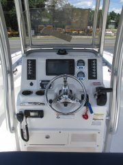 Well laid out Helm with Garmin GPS and vhf radio 2018 Robalo 222 w/WARRANTY for sale in INVERNESS, FL