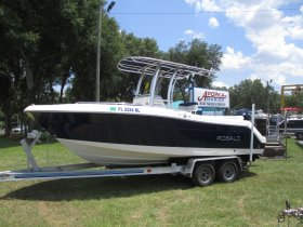 2018 Robalo 222 w/WARRANTY for sale at APOPKA MARINE in INVERNESS, FL