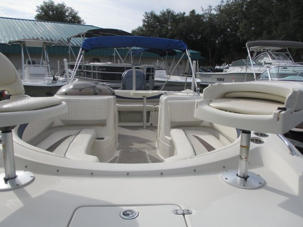 large bow with dual fishing seats 2008 Southwind 210SD for sale in INVERNESS, FL