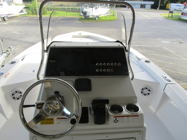 Sportsman well laid out helm 2020 Sportsman 207 Masters for sale in INVERNESS, FL