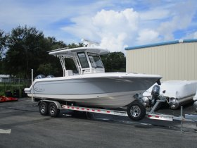 2020 Robalo R272 for sale at APOPKA MARINE in INVERNESS, FL