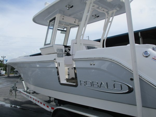 New 2020 Robalo R272 for sale 2020 Robalo R272 for sale in INVERNESS, FL