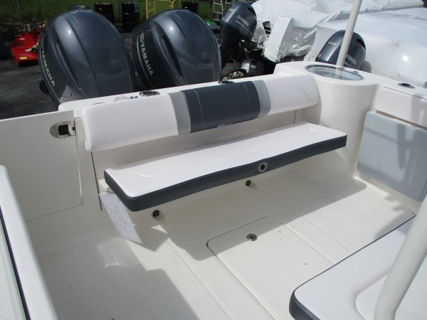 New 2020  powered Power Boat for sale 2020 Robalo R272 for sale in INVERNESS, FL