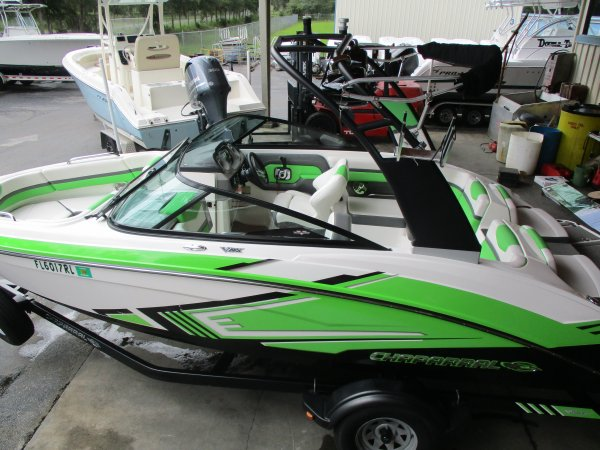 Pre-Owned 2015  powered Chaparral Boat for sale 2015 Chaparral Vortex 203 VRX for sale in INVERNESS, FL