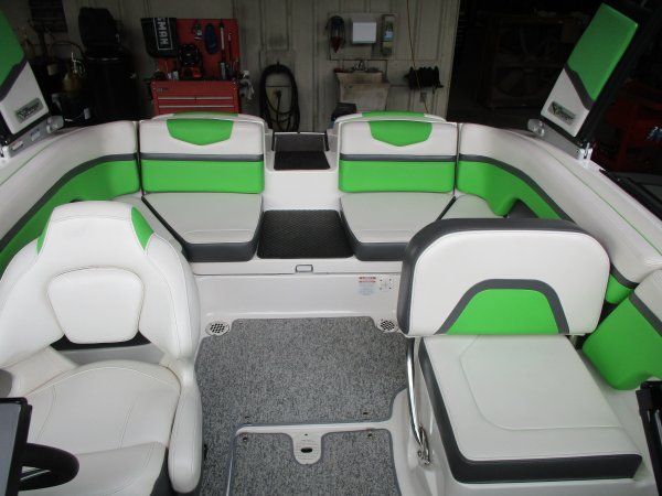 Pre-Owned 2015 Chaparral Vortex 203 VRX Power Boat for sale 2015 Chaparral Vortex 203 VRX for sale in INVERNESS, FL