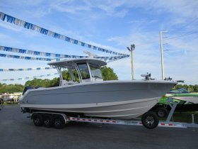 2020 Robalo 302 for sale at APOPKA MARINE in INVERNESS, FL