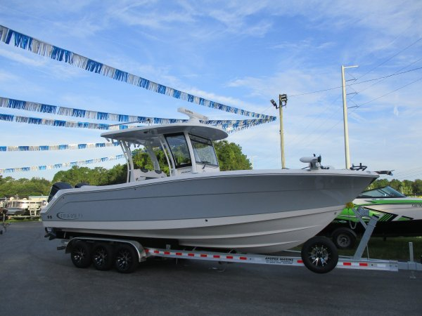 New 2020 Robalo Power Boat for sale 2020 Robalo 302 for sale in INVERNESS, FL