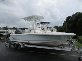 2019 Robalo 226 for sale at APOPKA MARINE in INVERNESS, FL