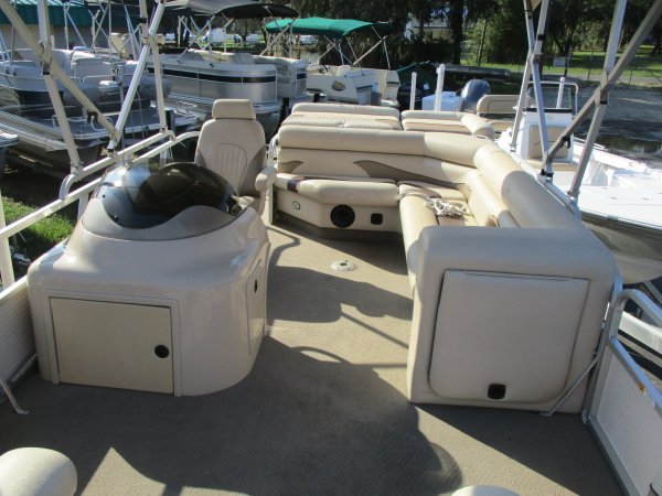 Pre-Owned 2009  powered G3 Boat for sale 2009 G3 Suncatcher LX20 for sale in INVERNESS, FL