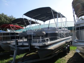 2017 Qwest Pontoons Quest 820 for sale at APOPKA MARINE in INVERNESS, FL