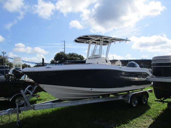 New 2020 Power Boat for sale 2020 Robalo 202 Explorer for sale in INVERNESS, FL