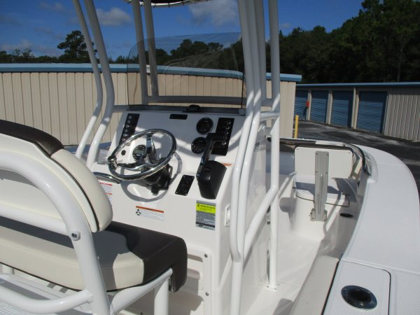 New 2020  powered Robalo Boat for sale 2020 Robalo 202 Explorer for sale in INVERNESS, FL