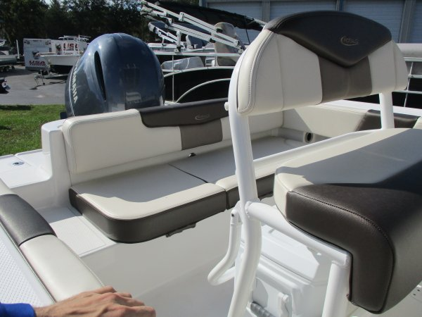 New 2020  powered Power Boat for sale 2020 Robalo 202 Explorer for sale in INVERNESS, FL