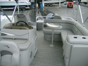2020 Bennington 20SFV for sale at APOPKA MARINE in INVERNESS, FL