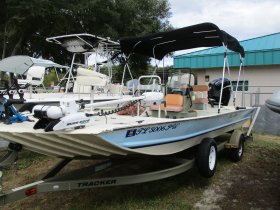 2015 Tracker Grizzly for sale at APOPKA MARINE in INVERNESS, FL