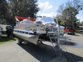 2016 Qwest Pontoons 7516 Edge for sale at APOPKA MARINE in INVERNESS, FL
