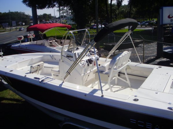 Pre-Owned 2016 Robalo 246 Cayman Power Boat for sale 2016 Robalo 246 Cayman for sale in INVERNESS, FL