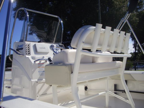 Leaning Post With Rod Holders 2016 Robalo 246 Cayman for sale in INVERNESS, FL