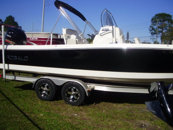 Pre-Owned 2016 Power Boat for sale 2016 Robalo 246 Cayman for sale in INVERNESS, FL