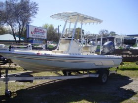 2014 Skeeter SX200 for sale at APOPKA MARINE in INVERNESS, FL