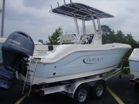 2020 Robalo R200 for sale at APOPKA MARINE in INVERNESS, FL
