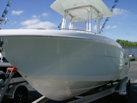 2019 Robalo R222 for sale at APOPKA MARINE in INVERNESS, FL