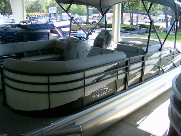 New 2021 Bennington Power Boat for sale 2021 Bennington 22 Swingback Tri-toon for sale in INVERNESS, FL