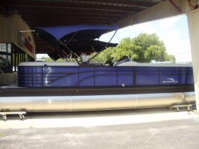 2021 Bennington 25GSRB Tri-toon for sale at APOPKA MARINE in INVERNESS, FL