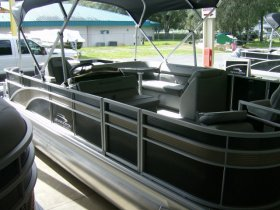 2021 Bennington 21SFX Tri-toon for sale at APOPKA MARINE in INVERNESS, FL