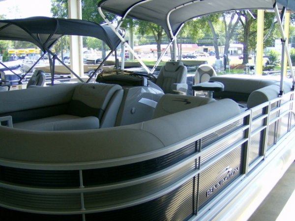 Used 2021  powered  Boat for sale 2021 Bennington 22GSAPG Tri-toon for sale in INVERNESS, FL