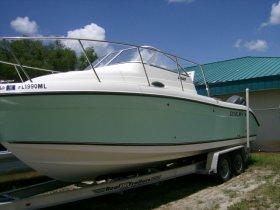 2004 Century 2600WA for sale at APOPKA MARINE in INVERNESS, FL