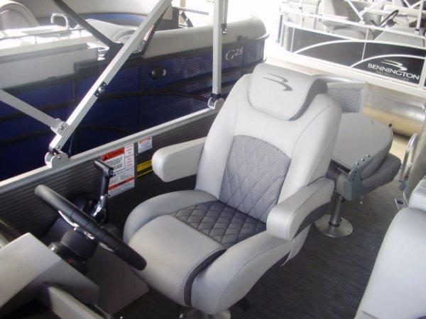 Capt. Seat 2020 Bennington 20SSXP Tritoon for sale in INVERNESS, FL
